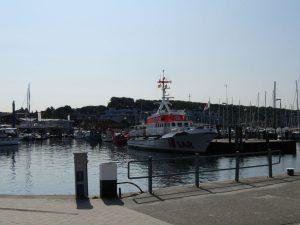 """DGzRS Seenotkreuzer """"Berlin"""" im Hafen von Laboe"""
