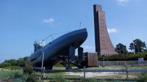 U-Boot und Marineehrenmal in Laboe