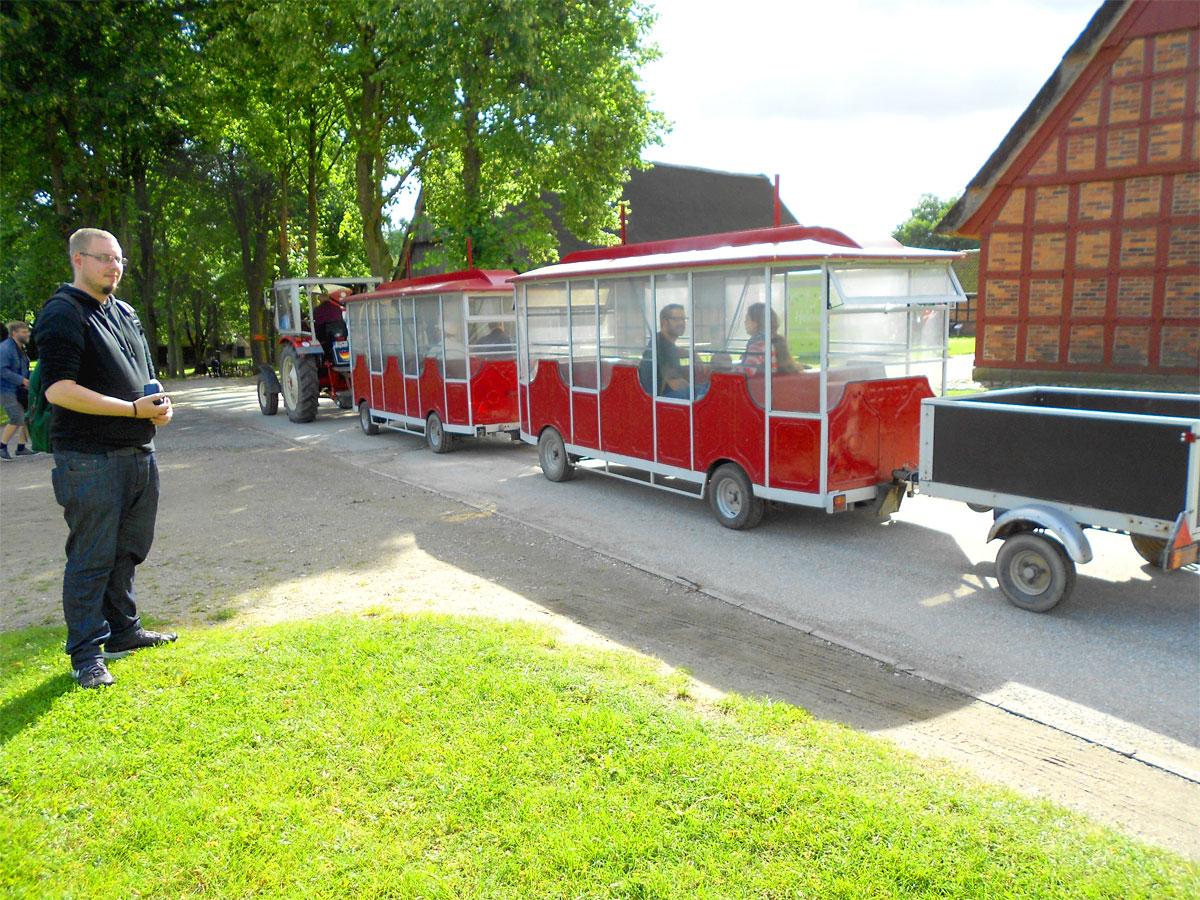 Die Rundfahrt mit der Museumsbahn ist kostenlos